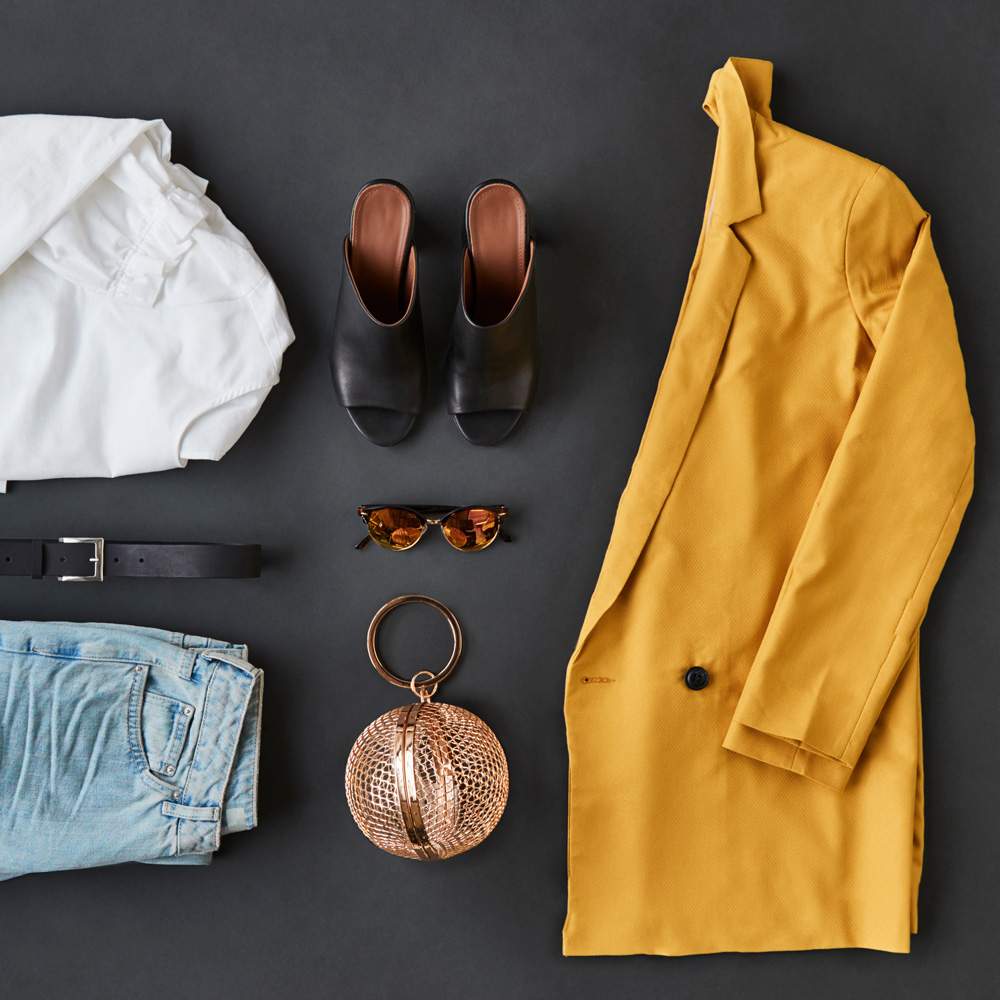 flat-lay-shot-of-female-clothing-and-accessories--WS